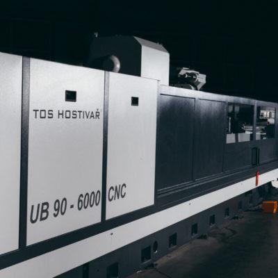 Szlifierka do wałków i otworów CNC UB 90 4